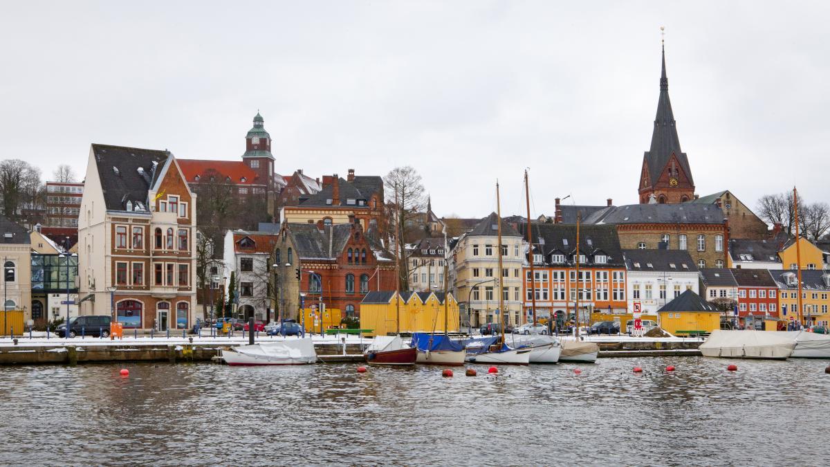 Flensburg: Polizei erklärt Teil der Innenstadt zum 'gefährlichen Ort' https://t.co/CJiusnIX3p