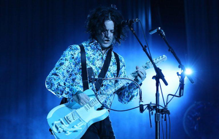 """Jack White calls banning phones at his gigs an """"art experiment"""" https://t.co/Tnndl4KxaS"""
