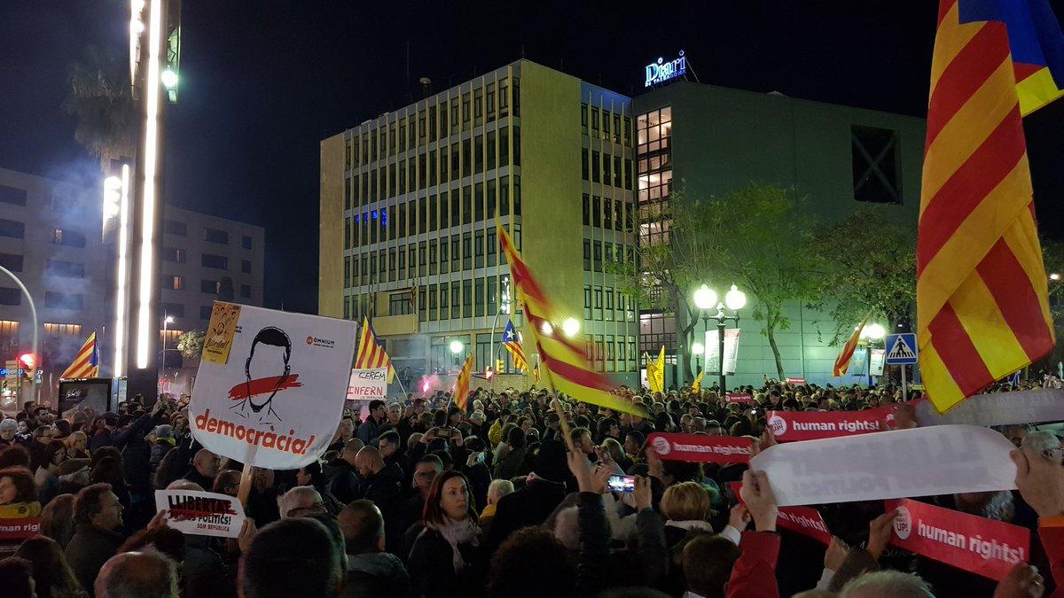 #Tarragona diu prou també. #RepúblicaCat...