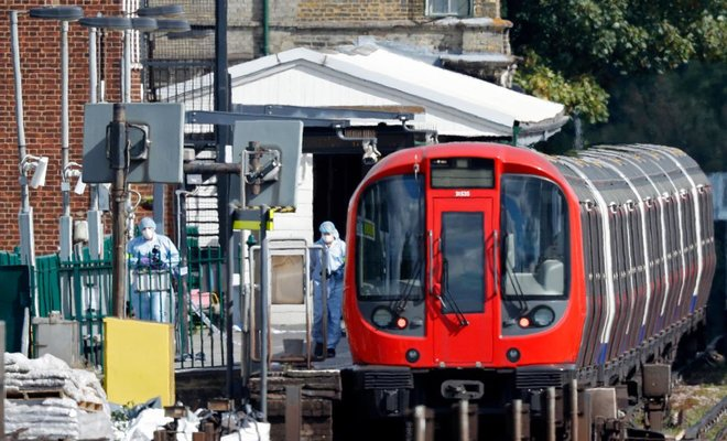 Jury finds #Iraqi teen guilty of planting #London subway bomb: https://t.co/MSW7FIPqHo