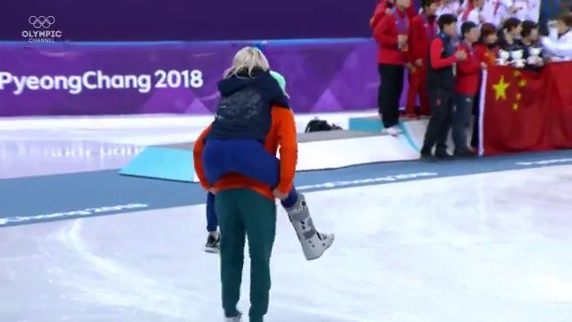 A moment to remember from two speed skating lovebirds ❤️. Elise Christie 🇬🇧, injured after her first heat, was carried by her boyfriend, Shaolin Sándor Liu 🇭🇺, to the podium after his gold medal performance at #PyeongChang2018.