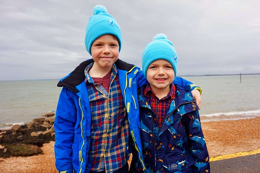 Think it may be time to dig out the woollies again, as the cold snap is set to return this weekend! Our friends Izac and Rippley have got the right idea 👍Luckily we still have a few Trust Bobble hats left - both kids and adult sizes available so the whole family can stay warm!