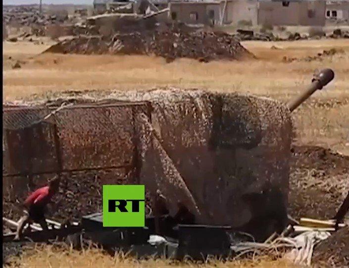 استعمال شباك التمويه في مدفعيه الجيش السوري؟ DYaKTHZW0AIFu6N