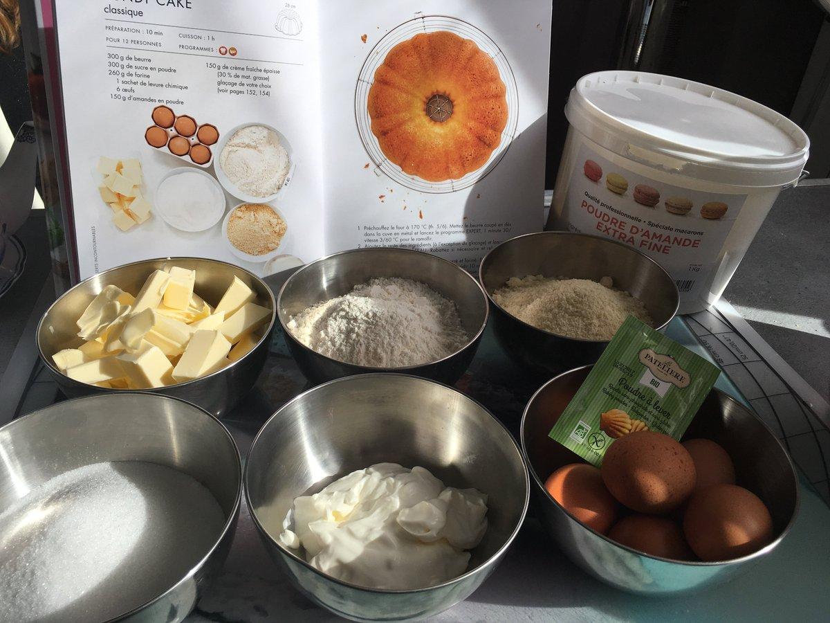 2b6624363f4f Aujourd hui je vous propose un Bundt Cake http   www.lesdouceursdemarie.fr  archives 2018 03 15 36230665.html …  lesfrrebelles  AuPaysduCitron  Magimix  ...