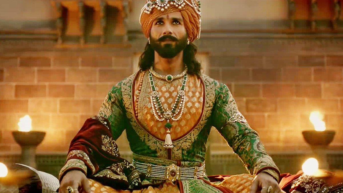 「マハラジャ 服装 インド」の画像検索結果