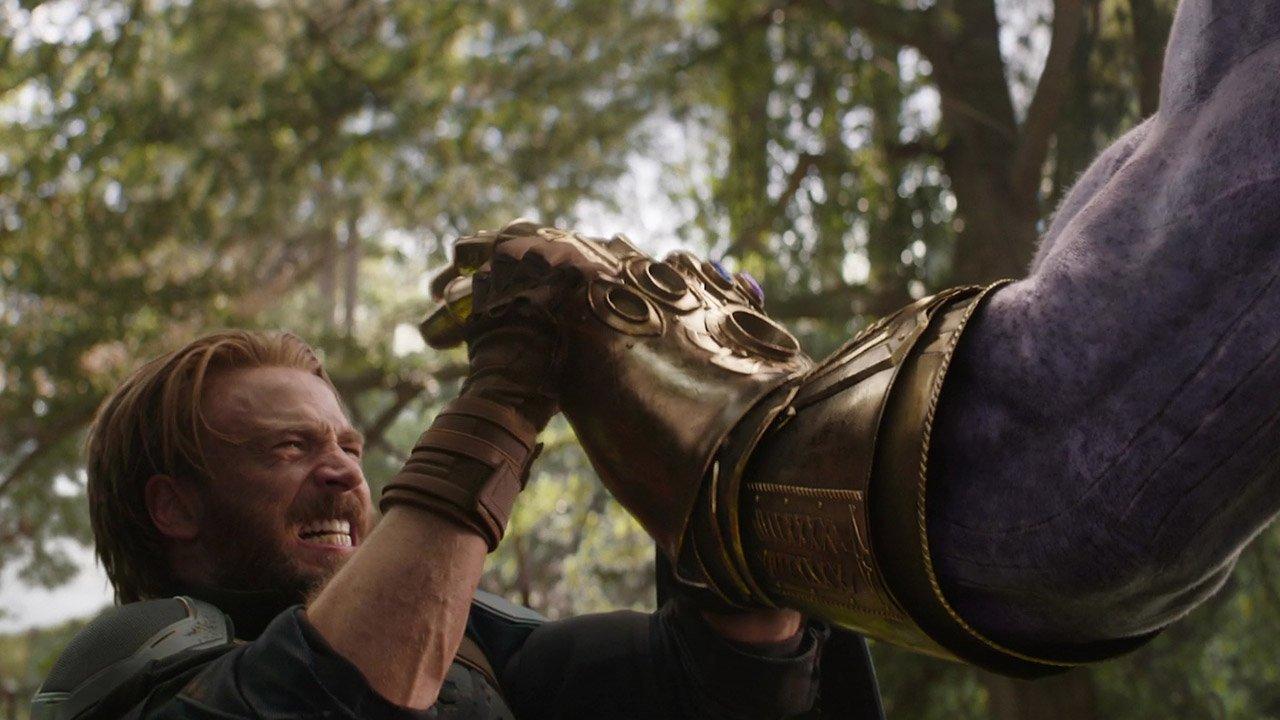 Hey, you probably want to watch the new #AvengersInfinityWar trailer... https://t.co/n8ZTktnuwm
