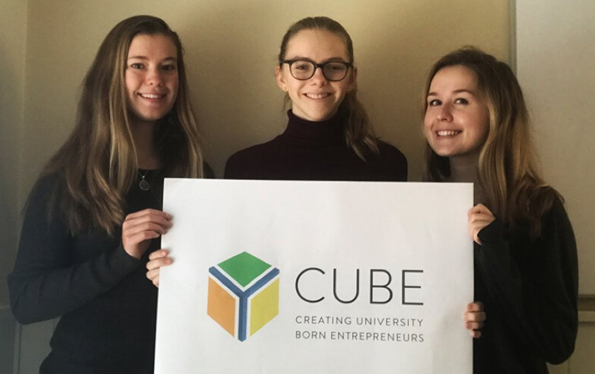 Congrats Eliza Harrison ('19), Lucy Best ('19), & Emily Kian ('20) with @CUBEatUNC who won the Melbourne Regional Final for the @hultprize. Over 100,00 students from 120 countries applied to participate! Best of luck on the next round! https://t.co/0noIOfaj2O