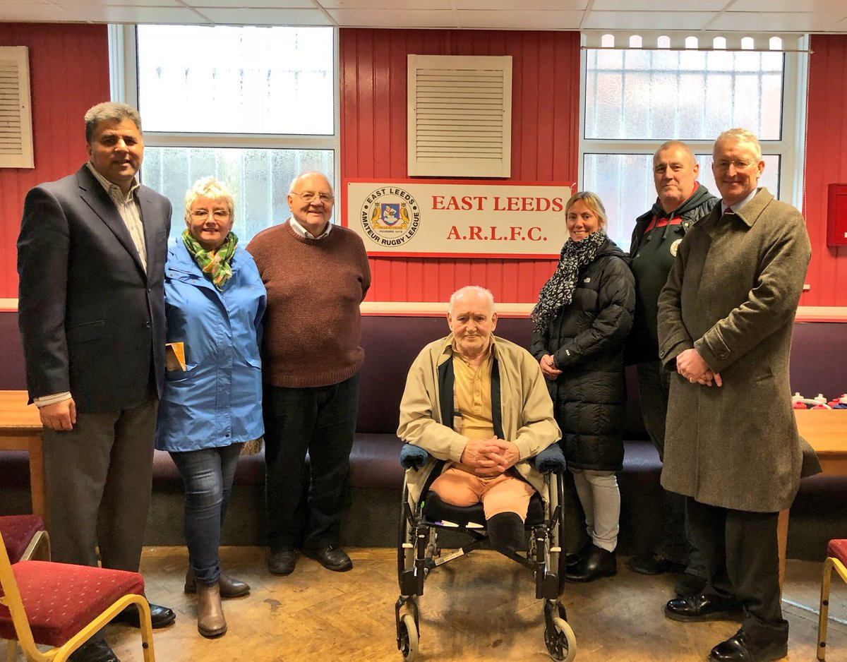 Huge Thank you to @deangledhill and Malcolm president of @eastleedsARLFC for hosting us for Coffee morning ☕️ with @hilarybennmp @BRhilllabour #Cllrs @asgharlab @DeniseRagan Nicola Farley @RichmondHillEA and local residents. @LeedsLabour2018