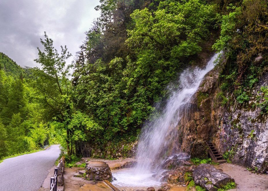 водопад Мужские слезы Абхазия