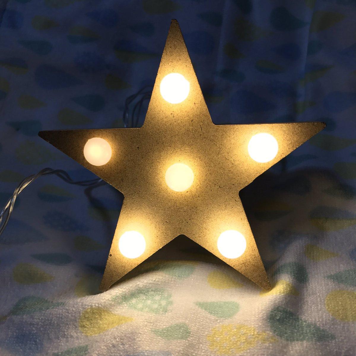 test ツイッターメディア - candoさんのキラキラ可愛いマーキーライト!確かに星とライト合わせて200円でこれは可愛い😁 『K』あればなぁ。。。 #キャンドゥ #cando #星 #マーキーライト #☆ https://t.co/nzoEZKR4ui