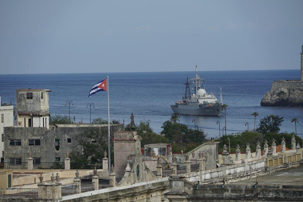 Russisches Spionageschiff geht im Hafen von Havanna vor Anker