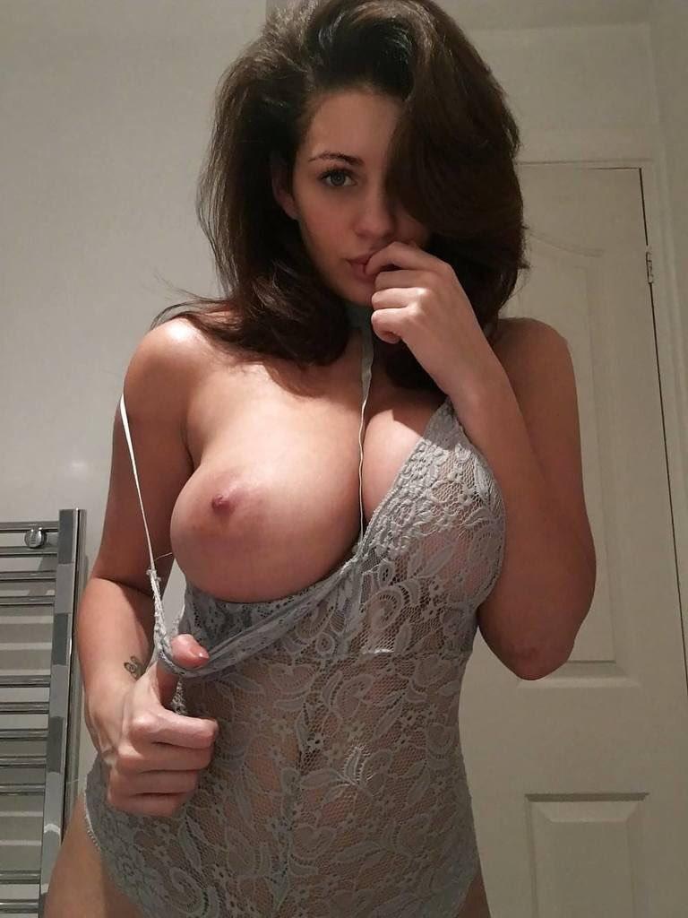 hot girls nude boobs