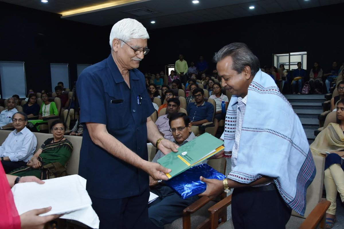Gujarat Science City's Narottam Sahoo conferred National Award of  Indian National Science Academy (INSA)