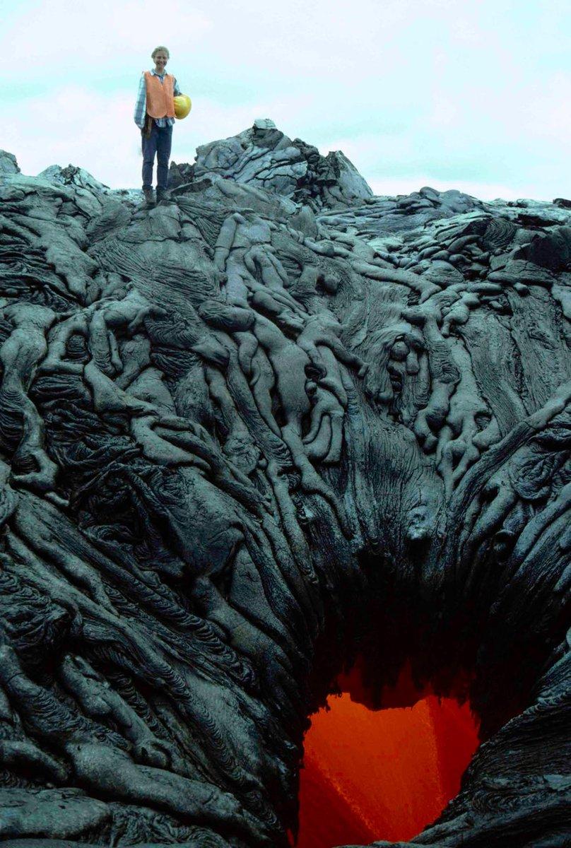 A Dante sarebbe piaciuto moltissimo..Il portale per linferno..vulcano di Kamokuna, #Hawaii.. #cultura
