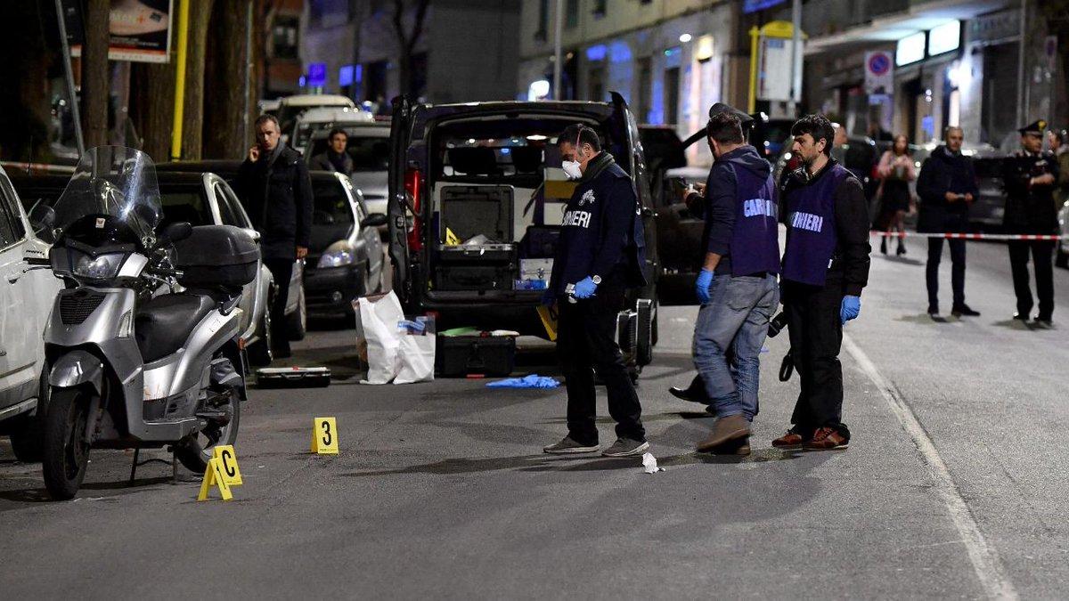 Roma, auto non si ferma ad alt e carabiniere spara: ferite due passanti #cronacaroma https://t.co/ArzUZ7RfJC