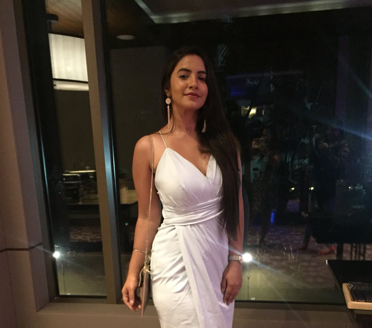 Meera Deosthale aka Chakor in Udaan looks hot and sexy in a white dress - Udann 1000 Episodes Party pics