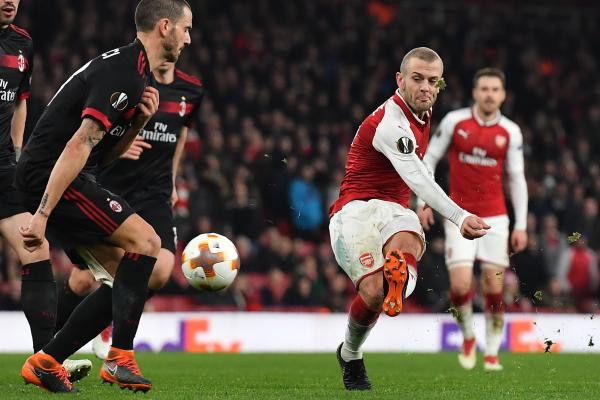 Everton will offer Jack Wilshere an £8 million sign-on fee to join from Arsenal 🔵💰  This and more from the notebook of @MattHughesTimes 📔  thetimes.co.uk/edition/sport/… #AFC #EFC