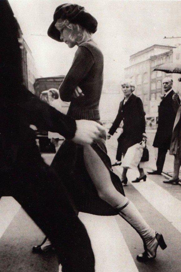 【RT200UP】 ヒッピー時代を象徴する、1970年代前半の西洋女性のストリートファッション写真 https://t.co/sCLsdyU5yk