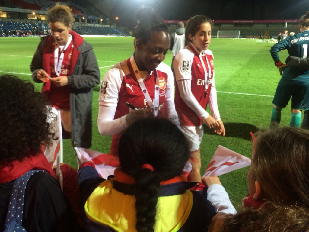 test Twitter Media - 3 girls super happy to see and meet @Arsenal WOMEN https://t.co/MA1bTHreYA