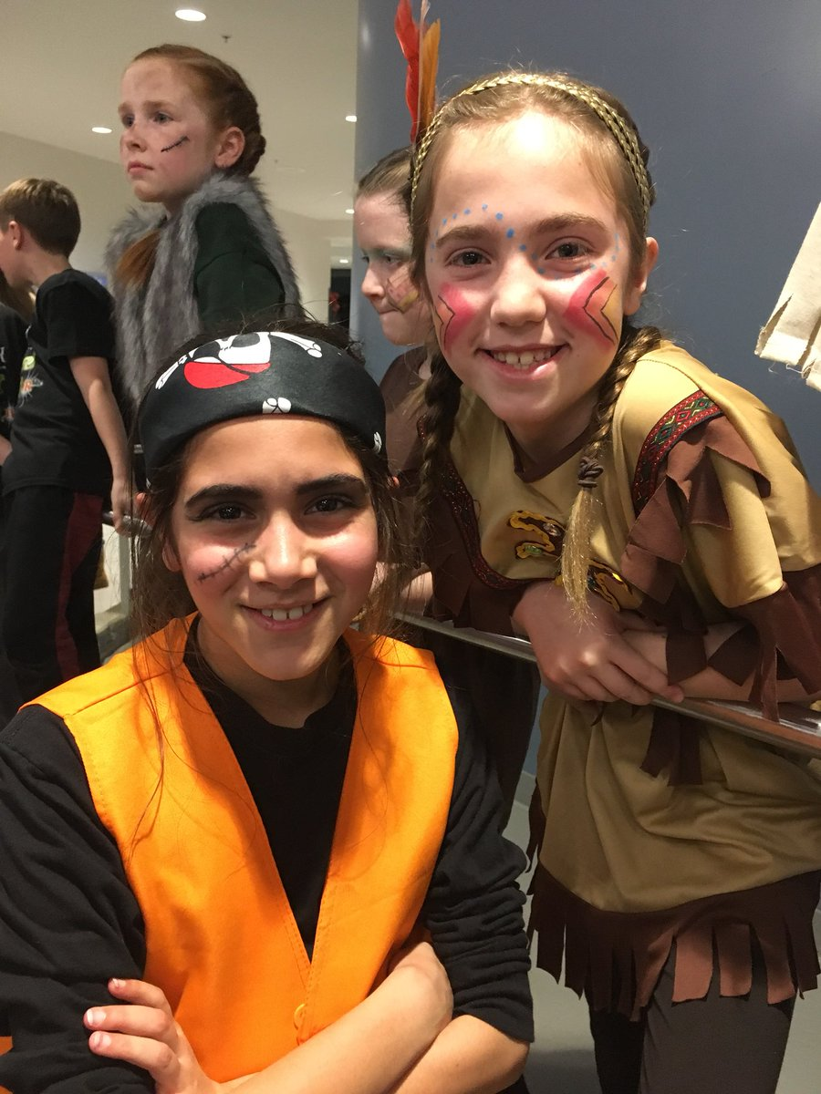 """RT <a target='_blank' href='http://twitter.com/SallyDonnelly1'>@SallyDonnelly1</a>: Thanks <a target='_blank' href='http://twitter.com/DiscoveryAPS'>@DiscoveryAPS</a> for a great night of theater! Loved seeing my once 3rd graders """"fly""""! <a target='_blank' href='https://t.co/53BFyTJlQ3'>https://t.co/53BFyTJlQ3</a>"""
