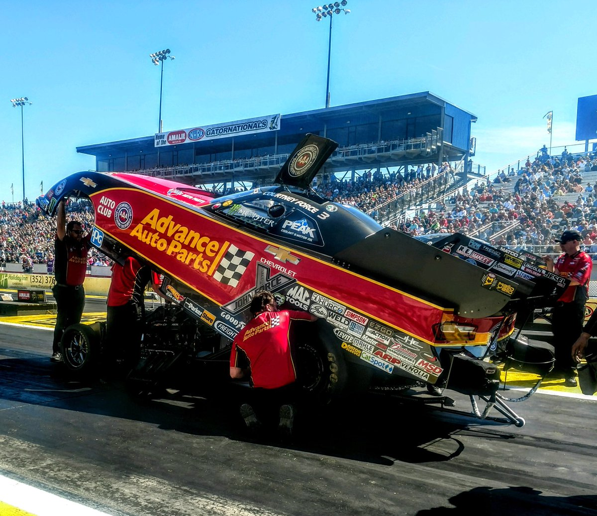 The top 3 qualified cars in funny car are separated by only a few thousandths of a second. 😳 Proud to say our @AdvanceAuto team is in the #2 spot with our 3.914 at 327mph! Solid pass with some pretty quick cars out there. Proud of my guys today. 👍🏻🏁 #AdvanceXForce