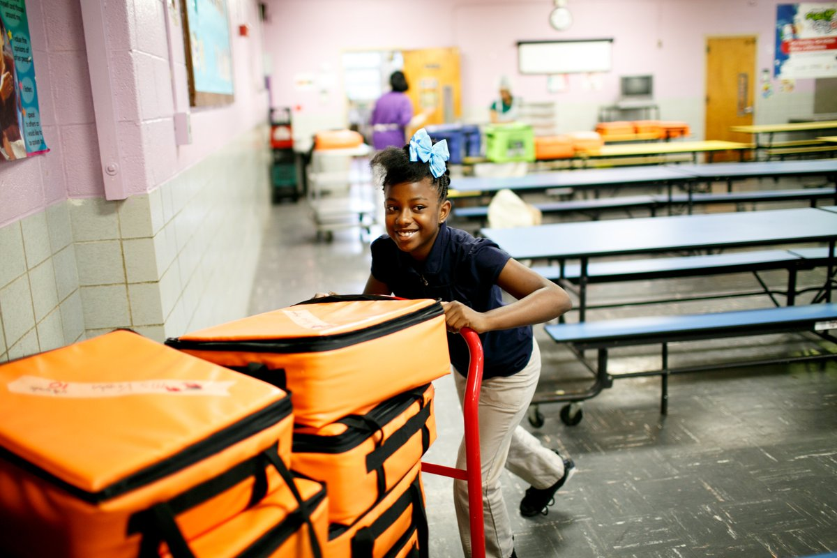 'Today's school breakfast fuels stronger students who can focus and learn; tomorrow, these students will become the chefs, doctors, artists, engineers, public servants and parents we all rely on as a society.' @dhmeyer on the impact of #schoolbreakfast 👇 https://t.co/QmdnZDQQLC