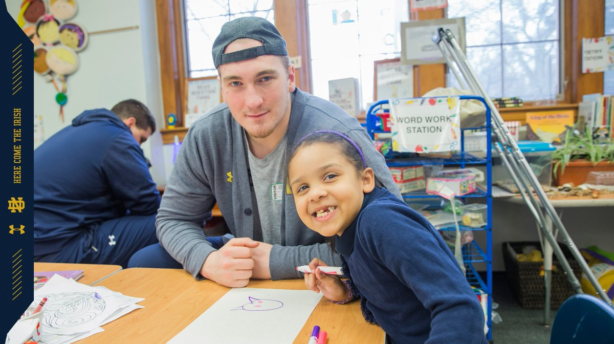 Every Friday the Irish spend time hanging out with kids from a local elementary school. #GoIrish ☘ #4for40