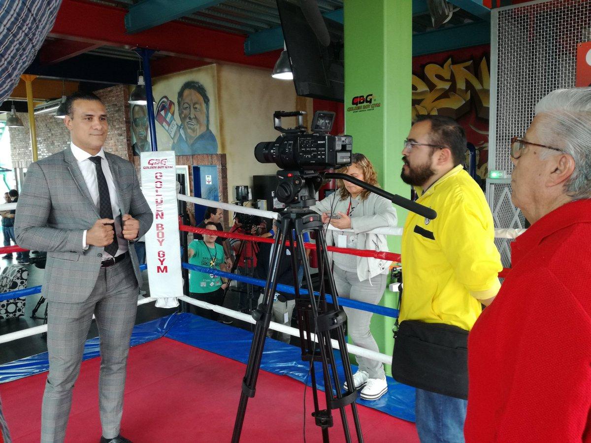 Día de prensa con @PrideOfMexico  en #CDMX #ElPatrón 👊👊👊 @GBGym https://t.co/tfFDfAg1vb