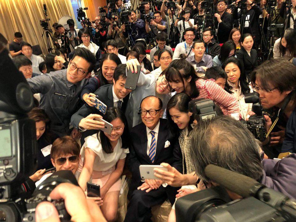 Li Ka-shing, one of Hong Kong's richet,...