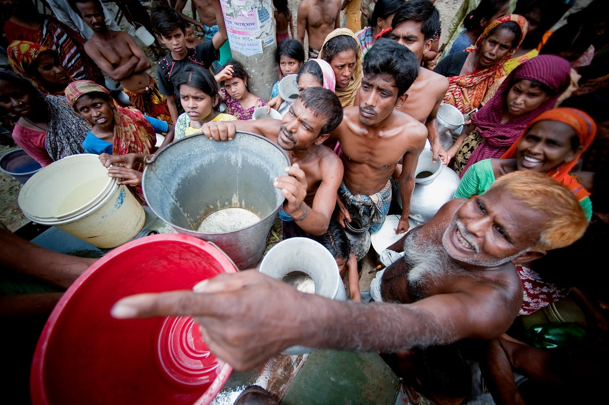 El mundo afronta una crisis del agua. Por ejemplo, el 40% de la población mundial sufre por la escasez de agua.   Líderes mundiales llamaron a la acción urgente para resolverla: https://t.co/AsUBKMV50W  #YoValoroElAgua #CadaGota cuenta 💧 #ObjetivosMundiales