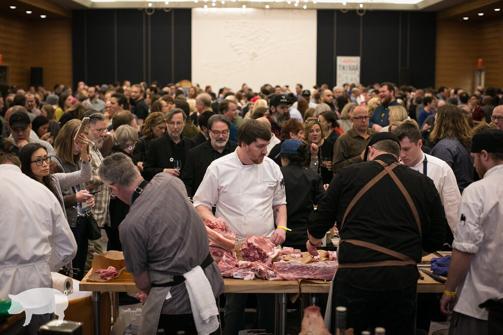 #FBF #Fallback to a packed house for #Cochon555 #Minneapolis 2017! This year's event is just over ONE WEEK AWAY!! Please join us on Sunday 3/25 for an epic feast and friendly chef competition for a great heritage cause: #PiggyBankOrg TICKETS —> https://t.co/HbMW3wPmEO