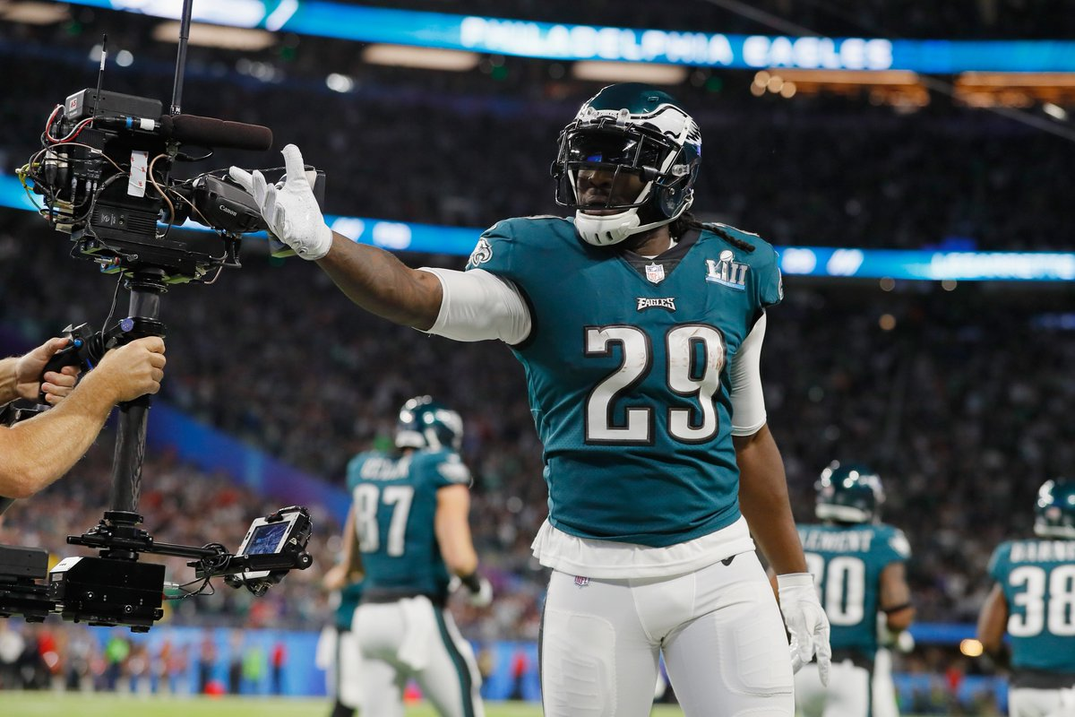 LeGarrette Blount signs one-year deal wi...