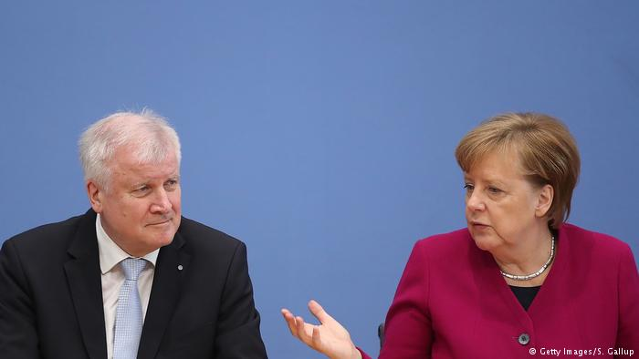 German ministers respond to Horst Seehofer's Islam comments:  Merkel led the response to the new interior minister's remarks, saying the 4 million Muslims living in Germany and their religion belong in the country.   https://t.co/ftEQIvNew1