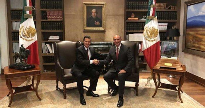 El presidente Enrique Peña Nieto y el exgobernador de Querétaro, José Calzada Rovirosa