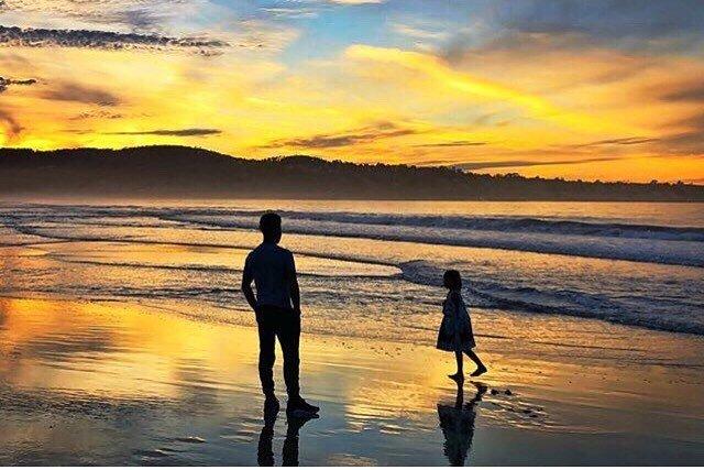 From Instagram: @jayslu captured this tender moment at Del Monte Beach in Monterey. #monterey #delmontebeach #beach #sunsetporn #regram https://t.co/e0MSFlkJZQ