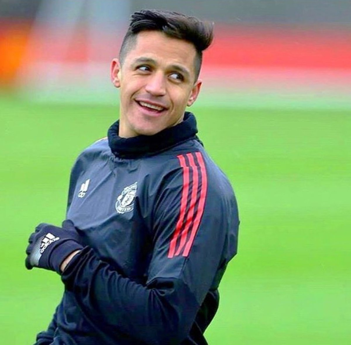 Where you wan see Alexis Sanchez against Brighton?   Retweet for Bench Like for Start   #MUIP #FACup