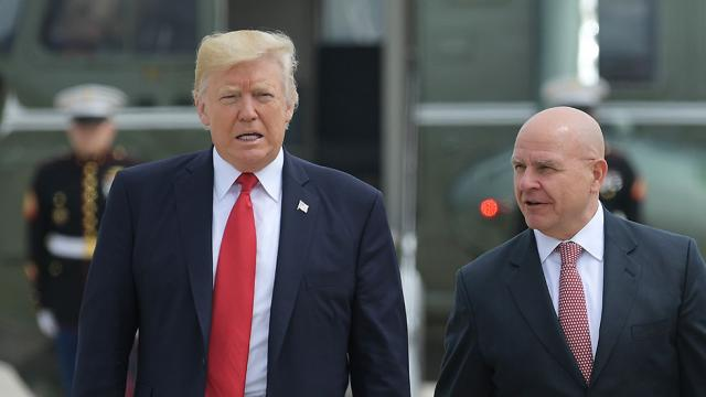 Ex-CIA director defends McMaster: Trump can't surround himself with 'yes-men' https://t.co/hiQrfQYjd9 https://t.co/T9ZNNtaFts