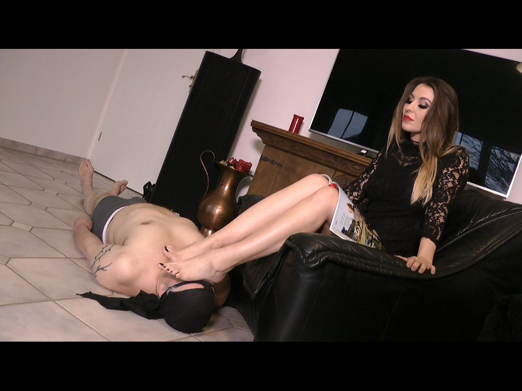 #footmistress #footgoddess #footslave #f...