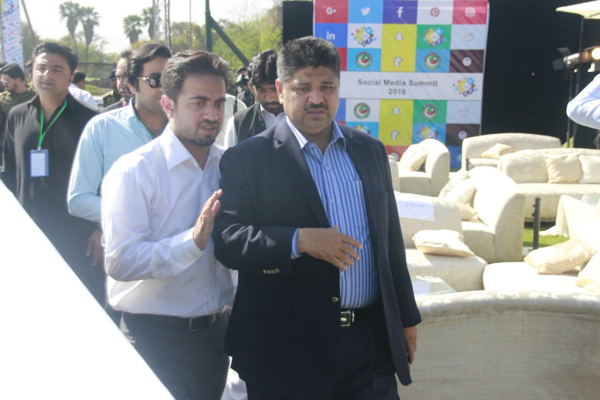 Shoaib Siddique reaches the venue.  #PTI...