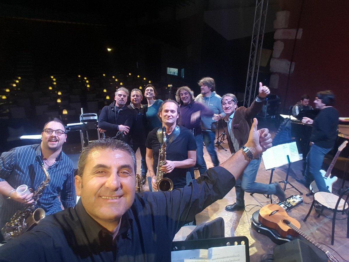 Stasera in concerto con @SimonaMolinari...