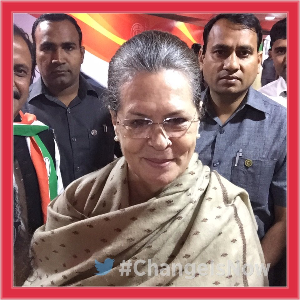 Smt Sonia Gandhi sends a quick selfie and lots of love to all Congress men and women from the #CongressPlenary. #ChangeIsNow