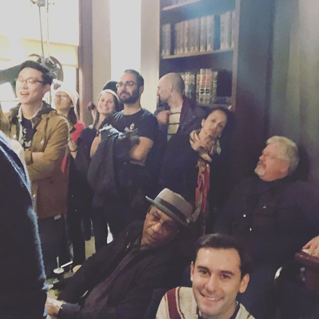 Standing room only behind the monitor for this final scene. #scandal #onelasttime https://t.co/8gFBUPL0aX
