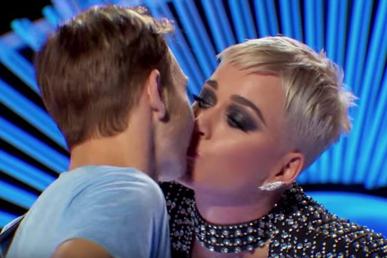 Acusan a Katy Perry de acoso tras robar...
