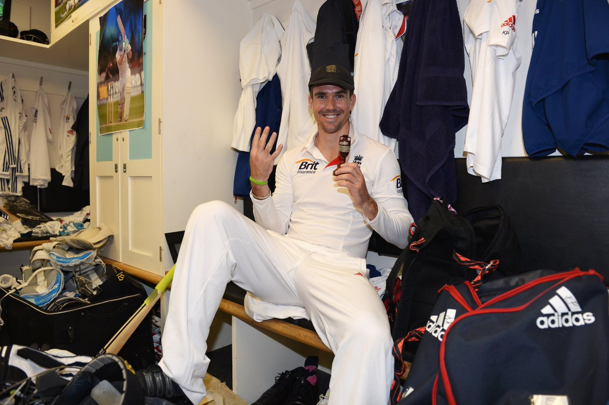 Kevin Pietersen has called time on his playing career.   What's your favourite KP memory or moment? Send in your tributes to fanfare@cricinfo.com   https://t.co/KrmphDrfMb