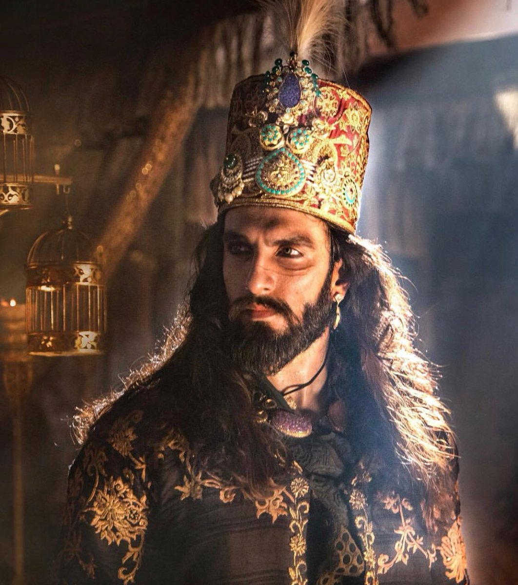 #Padmaavat beats #Sultan to become the 6thhighest grosser worldwide.