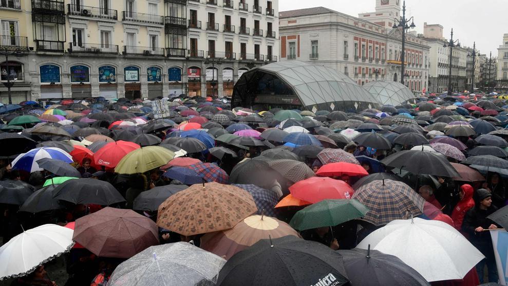 Miles de pensionistas elevan su voz por...