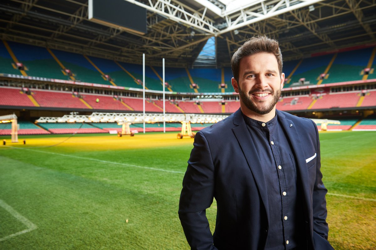 Croeso nôl @TrystanLlyr ! Fresh from releasing his first track, Gwahoddiad, for St David's Day, the rugby playing tenor from Sir Benfro, Trystan Griffiths returns to perform @principalitysta later today #WALvFRA 👍