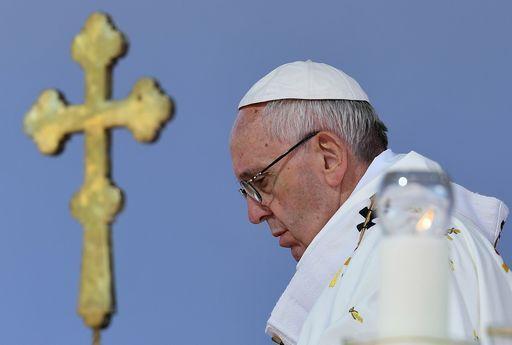 Papa Francesco a #Pietrelcina: un Paese che litiga tutti giorni non cresce https://t.co/34Opfhg8EI