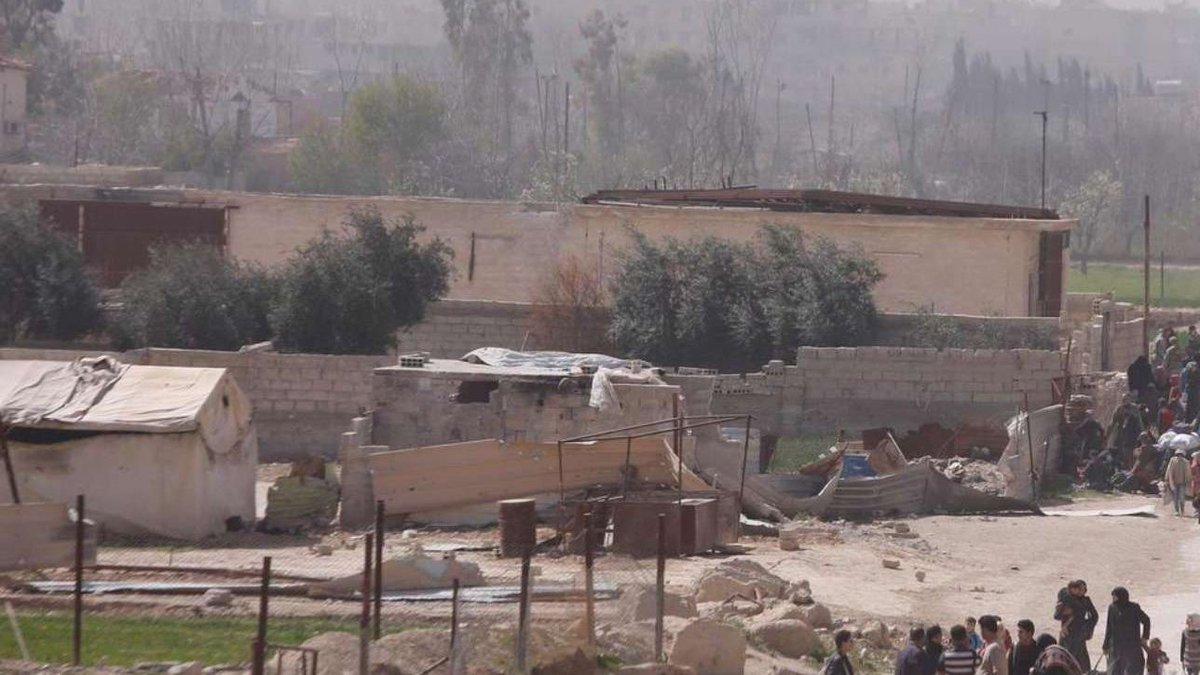 Siria, Ong: raid aerei sulla Ghouta, uccisi 30 civili  #siria https://t.co/8sq0ixPD0l