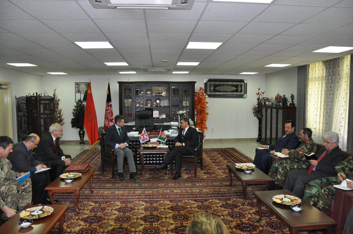 وزیردفاع ملی با وزیردفاع کشور شاهی بریتانیا ملاقات نمود mod.gov.af/fa/news/399709